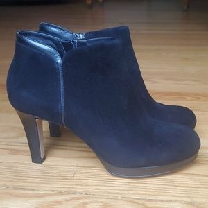 NEW Clarks suede booties Black ankle boots 9